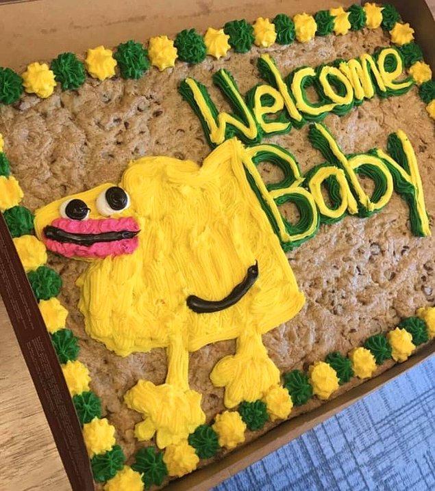 8. Yeni doğan bebeği biraz korkutabilir bu pastanın görünümü.