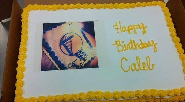 9. Müşterinin istediği pastayı pastanın üstüne bastırmış bu eleman. 🤦