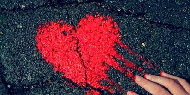 Kalbini paramparça edene kadar, herkes aldı götürdü biraz senden!!