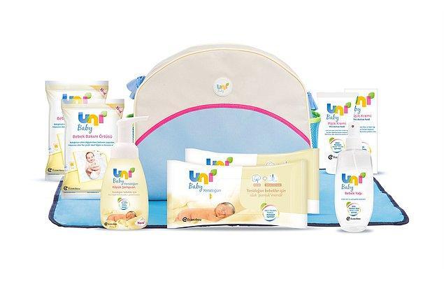 9. Bir anne olarak en önem verdiğiniz şeylerden biri bebeğinizin narin cildini korumak... Bunun için de şampuanını, bebek yağını, ıslak mendilini ve pişik kremini özenle seçeceksiniz elbette.