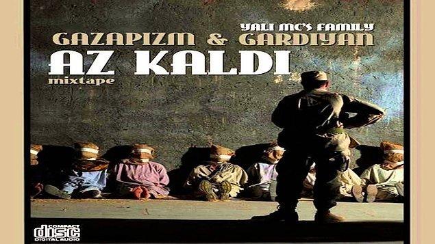 """2006 yılında Gardiyan ile birlikte ilk albüm çalışması olan """"Az Kaldı"""" isimli mixtape albümünü çıkartıyor. Bu albümle ilerde hedeflenen büyük bir kitlenin temelini atmış oluyor."""