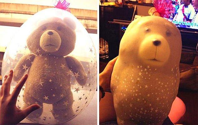 """4. """"Dün kız arkadaşıma oyuncak ayı hazırlamıştım. Bugün böyle gözüküyor."""""""