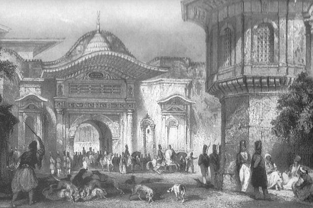 İngiliz Elçi Ponsonby olayın büyümesini faydalı görüyordu. Önce Osmanlı'nın özür dilemesi, ardından da Hariciye Nazırı Akif Efendi'nin görevden alınması istendi.