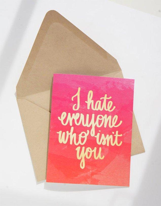 """13. """"Arkadaşım kart tasarlıyor. Kız arkadaşıma karşı nasıl hissettiğimi göstermek için bir kart yapmasını rica ettim. Bana bunu gönderdi."""""""
