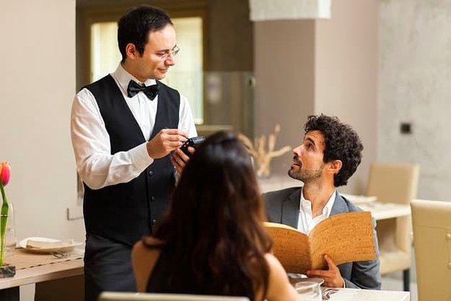 1. Lokantada yemektesin diyelim. Menüde olmayan isteklerin ya da değiştirmek istediklerin oluyor mu seçtiğin yemekte?