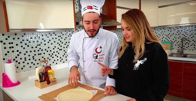 """Sevgilisi Başak Karahan'la yaptığı """"990 TL Pizza Yaptık"""" videosu ile Enes Batur da trendlerde!"""