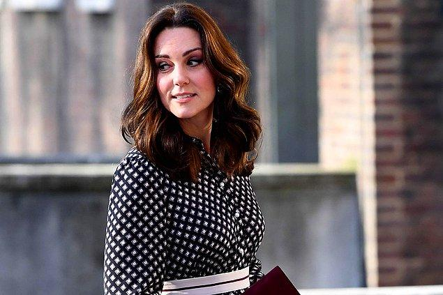 Kate Middleton'ın özellikle gözlerinde yoğunlaşan makyajı kusursuz detaylarla donanımlı ve herkesi büyülüyor!