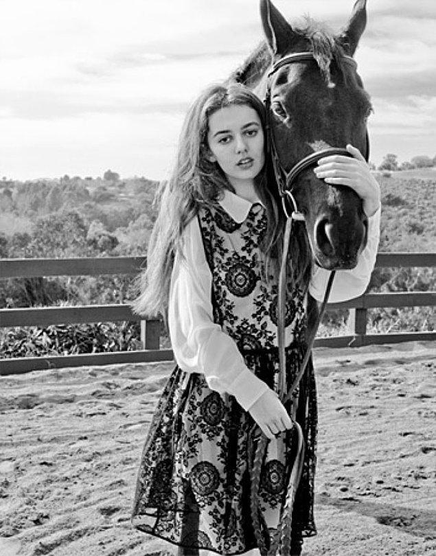 6. Atın vücudunu fotoğraftan silen Amerikan kıyafet markası. 😳😁