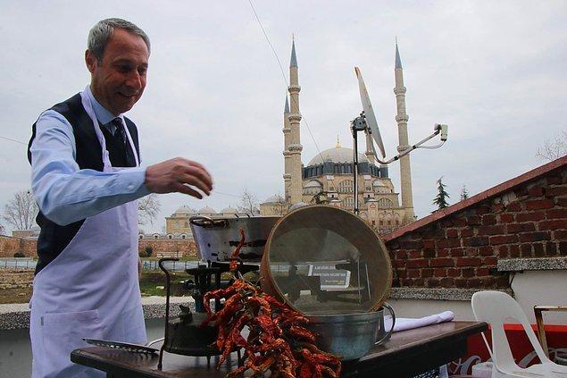 Dinar, müzeyi gezen ziyaretçilerin burada Edirne ciğerinin tadına bakma şansını da bulacağını kaydetti.