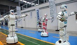 Türkiye'nin İlk İnsansı Robot Fabrikasının Yeni Robotları 'Erik Dalı' Oynayabiliyor!