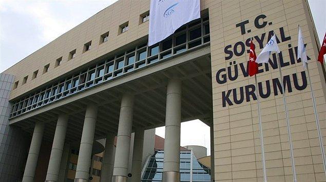 CHP'li Özel, bir televizyon programında SGK'nın İsen'e ait şirkete kişisel bilgileri 65 bin lira karşılığında sattığını iddia etmişti.