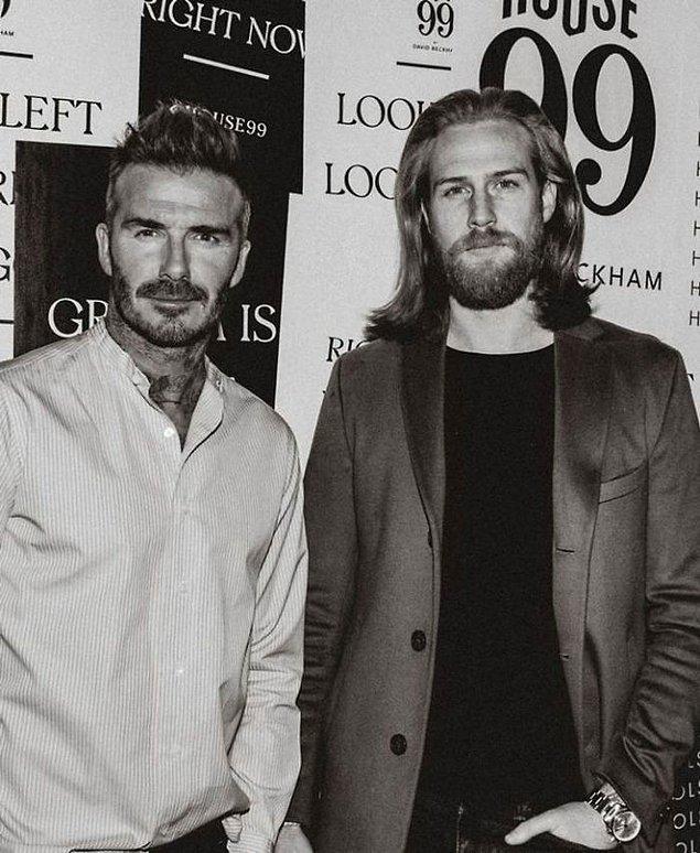 Sakalını uzatıp kilo vermeye devam ederken Gwilym bir Instagram hesabı açtı.