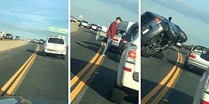 Tartıştığı Sürücünün Aracına Zarar Vermek İsterken Anında İşleyen Karma ile Tepetaklak Olan Araç