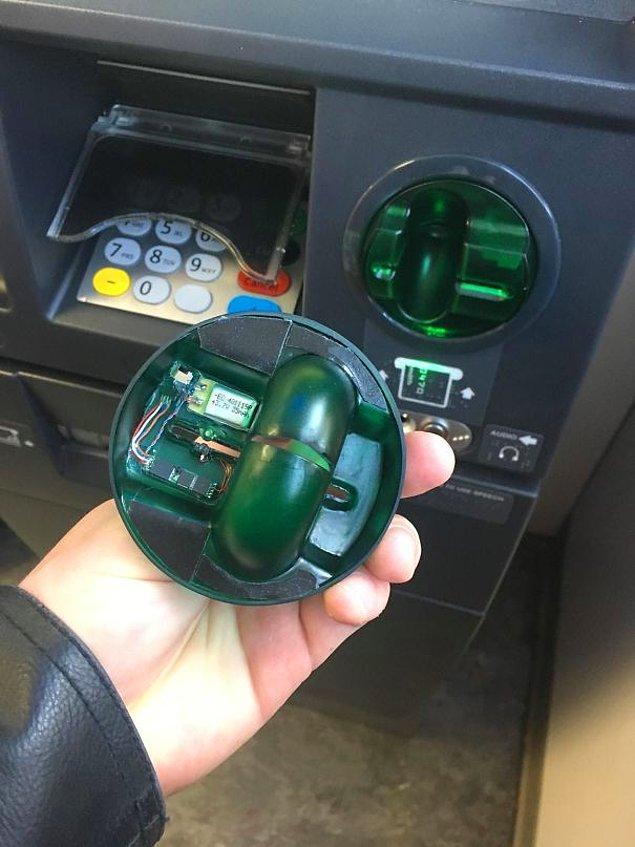 """14. """"Kredi kartı hırsızlığından kıl payı kaçtım. Kart haznesini her zaman hafifçe oynatın."""""""