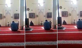 Camide Aniden Gösterdiği Tepkiyle İmamın Ömründen 10 Sene Götüren Adam