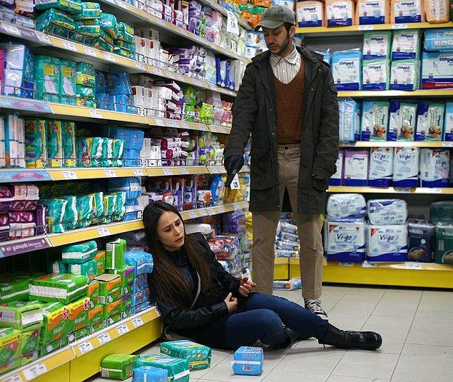 Filmler, diziler, tiyatro oyunları derken ilk büyük çıkışını Ezel dizisinde canlandırdığı soğukkanlı, psikopat, Converse'li katil Temmuz'la yaptı.
