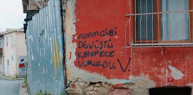 """Mahallede ise bazı yazılar ve söylentiler vardı. """"Vartolu ölmedi, hala yaşıyor."""""""