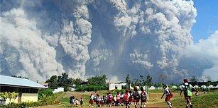 Endonezya'da Patlayan Yanardağ 15 Bin Kişinin Tahliye Edilmesine Neden Oldu