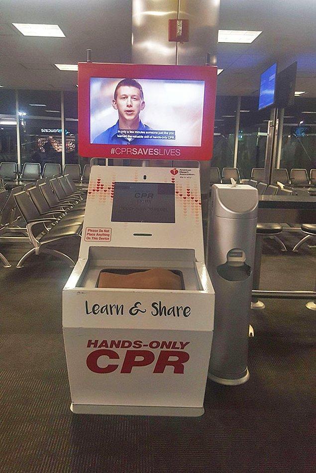 16. Kalp masajını ücretsiz öğreten kiosk makinesi 😲👏
