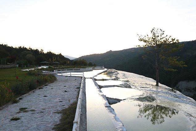 Bolu'nun sağlık kaynağı suları: Akkaya Travertenleri.