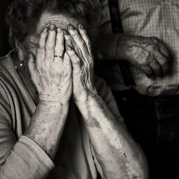 Yaşlıların ağlamasına mümkün değil katlanamamam!