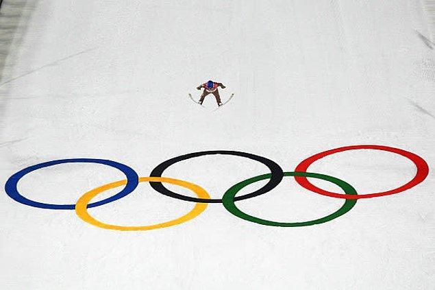 12. 2014 yılında kış olimpiyatlarında ilk kez kadın atletlerin de kayaklı atlayış yapmasına izin verildi.