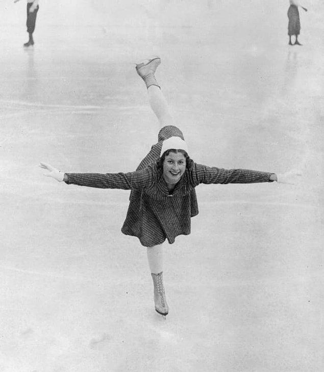 14. Kış olimpiyatları tarihinin en geç atleti 11 yaşındaki İngiliz artistik patinajcı Cecilia Colledge oldu.
