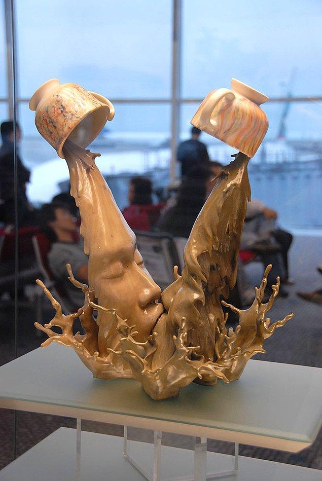 5. Kahve Öpücüğü - Johnson Tsang