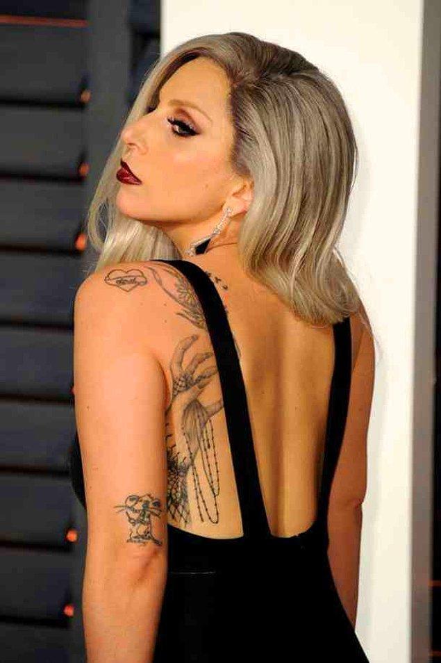 5. Lady Gaga'nın fare dövmesi: