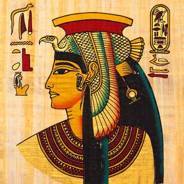 3. Kleopatra'nın yaşadığı dönem, piramitlerin inşaatının başlamasına değil iPhone 7'nin piyasaya sürülmesine daha yakındır.