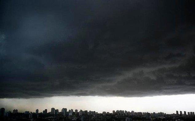 29. Yağmur mu yağacak, taş mı, belli değil.