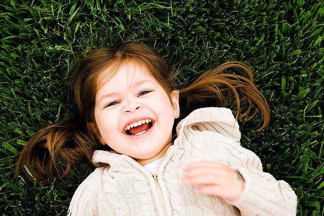 7. Çocuğunuza onu mutlu edecek olumlu geri bildirimler verin.