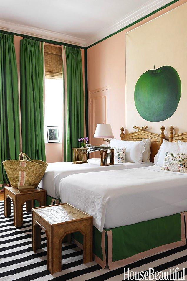 5. Minimalist ve bambu detaylarla uzak doğu esintisini bir araya getiren elmalı yatak odası
