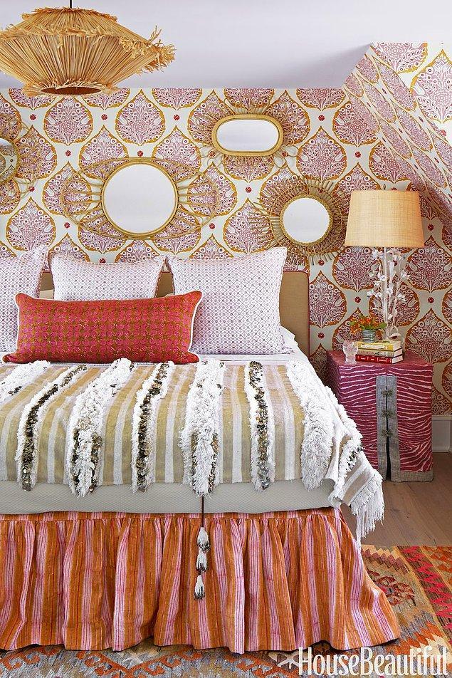 12. Pembe ve turuncunun inanılmaz uyumuyla içinizi ısıtacak bir yatak odası