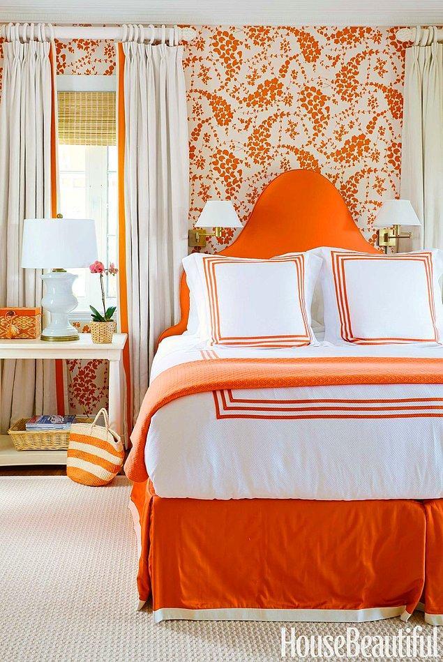 17. Mandalina ve beyaz tonları ile şirin bir yatak odası