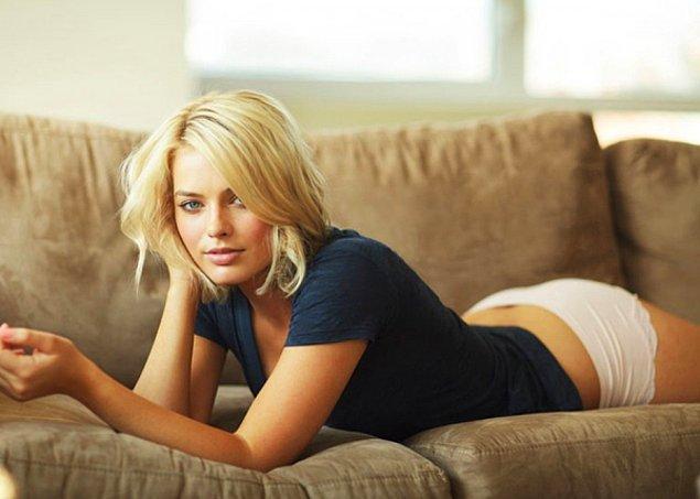 1-A  Margot Robbie