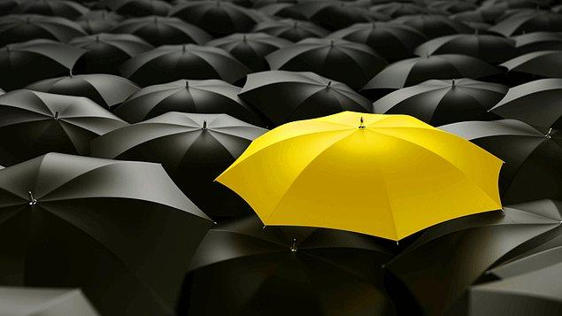 2. Bu sarı şemsiye sana hangi diziyi hatırlatıyor😍