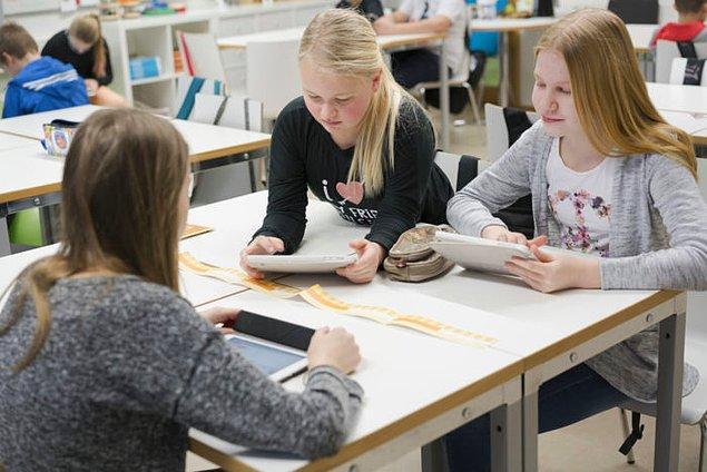 4. Üniforma bulunmayan Finlandiya eğitim sisteminde, çocuklar okula istedikleri kıyafetle gidebiliyor.