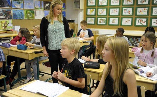 8. Tüm ders alanlarının kaldırıldığı bazı Fin okullarında, olgu bazlı öğrenme sistemine geçiliyor.