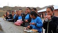 Utanç Duvarı: İhale Yapılmadığı İçin Sonradan Gelen 36 Öğrenciye Yemek Verilmiyor, Sınıflar Kokuyor Diye Bahçeye Mahkumlar
