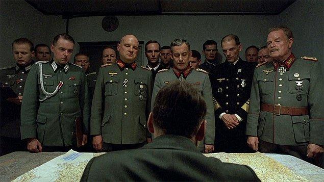 12. Der Untergang-Çöküş (2004)   IMDb 8.2