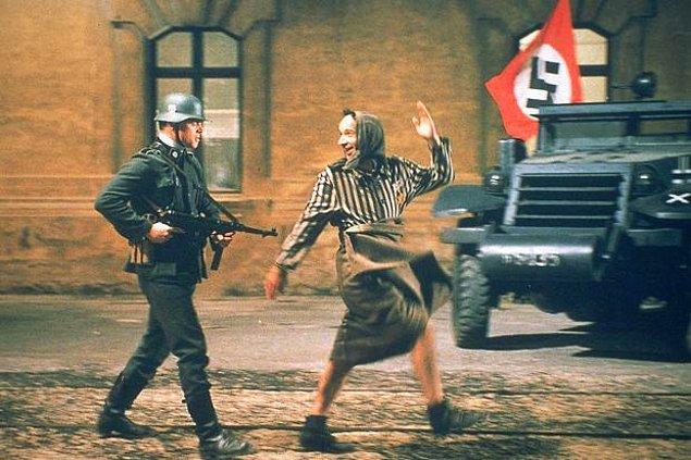 3. La vita è bella-Hayat Güzeldir (1997)   IMDb 8.6
