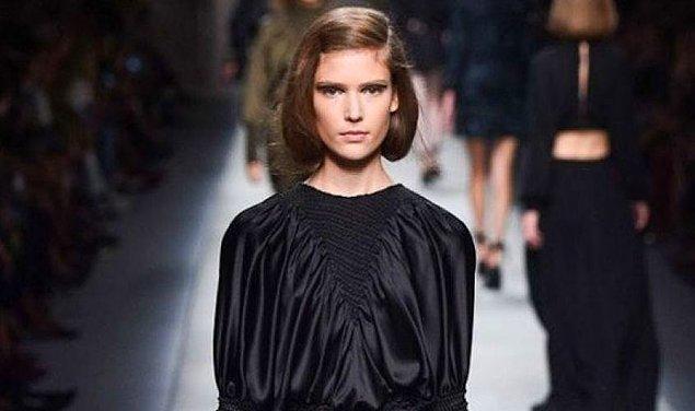 Yeteri kadar kısaldığını düşündüğünüz yerde de saçınızı ense kısmınıza tel tokalar yardımıyla tutturun.