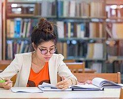 Sınav günü yaklaştığı halde ders çalışamadıysan eğitim sistemini ve sınav sistemini sorgulamaya başlarsın.