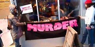 Vegan Protestoculardan Bıkan Adamın Eylemcilerin Gözü Önünde Et Yediği Anlar