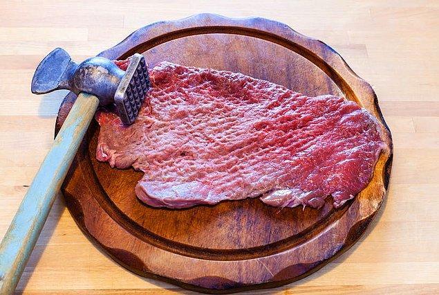 Yamyamlık geçmişi olan insanların ifadelerine göre insan etinin tadı domuz etiyle sığır eti arasında bir yerde.