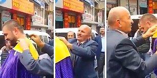 Takım Elbisesiyle Sokakta Tıraş Aleti Satan Muhteşem Yetenekli Seyyar Satıcı