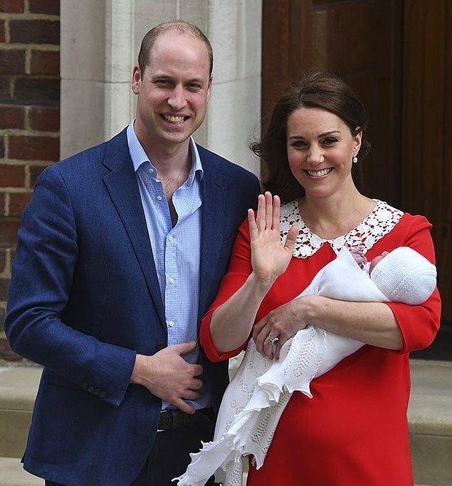Kate Middleton her etkinlikte mükemmel görünmesiyle biliniyor, buna doğum sonrası da dahil. İşte doğumdan yalnızca saatler sonra Kate'in bu fotoğrafı viral oldu.