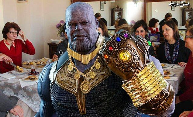 15. Thanos'un takı sevdası farklı bi boyuta ulaştı.
