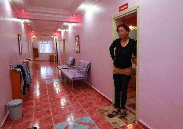 Terzilik yaparken, müşterisinin bütün evlerini satın alarak genelev patroniçesi olan bir kadın.